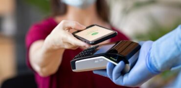 Forbes Features Rapyd Research: Covid-19 Pushes More People Towards Contactless Payments