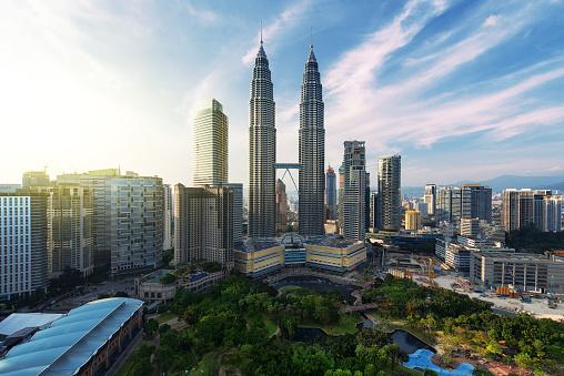 Malaysia Payment Methods Header: Petronas Towers