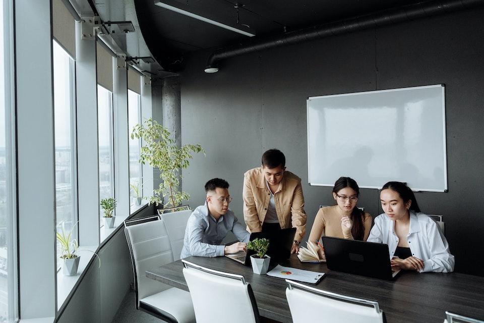 A team sets up a virtual bank account.